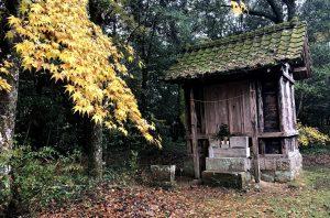 人吉市漆田町 松尾社 王門前神社